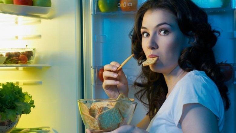 Eating snacks late at night may raise the risk of diabetes and heart disease